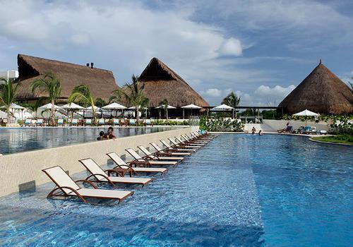 Piscinas Hotel ESTELAR Playa Manzanillo Cartagena de Indias